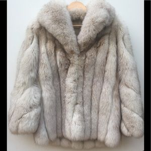 VINTAGE Genuine Saga Fox Fur Coat Jacket Sz. M/L